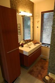 main bath   9171 chapmond cres