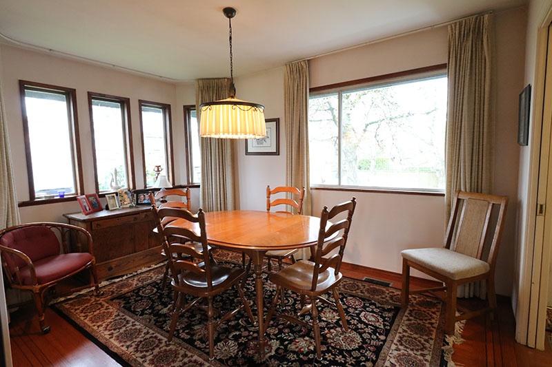 dining room 9311 gormond