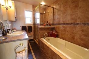 4 pc main bathroom