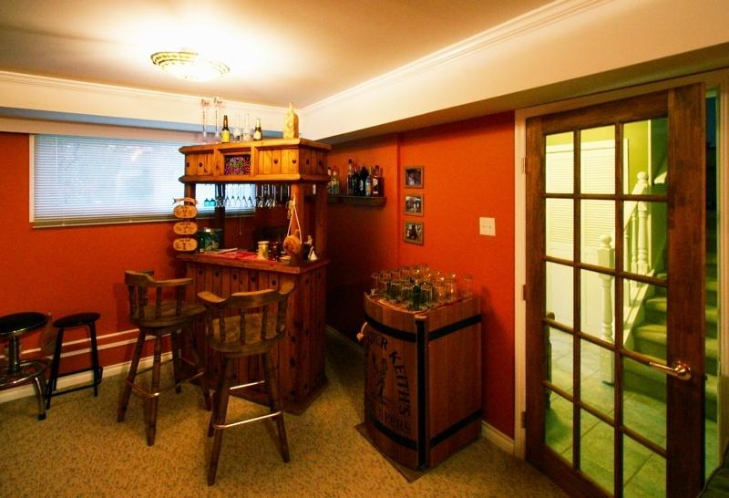 family room to foyer