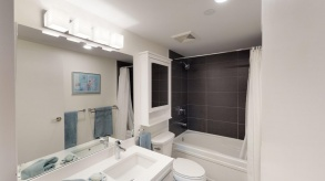 bathroom  16011323 homer st